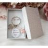 Kép 1/4 - Leszel a koszorúslányom kulcstartó fülbevaló szett díszdobozban