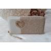 Kép 1/5 - Csipke virág mintás női pénztárca szivecske dísszel bézs