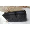Kép 2/6 - Nyomott pillangó mintás elegáns női pénztárca fekete