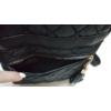 Kép 5/6 - Pufis varrott rombusz mintás hátitáska bojt dísszel fekete