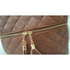 Kép 2/5 - Varrott rombusz mintás bojt díszes női oldaltáska barna