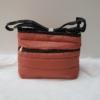 Kép 1/5 - Pufis női oldaltáska sötét rosé