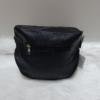 Kép 4/5 - Keresztpántos női táska felirattal fekete