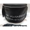 Kép 2/6 - Keresztpántos női táska felirattal fekete