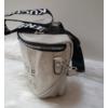 Kép 3/5 - Keresztpántos női táska felirattal szürke