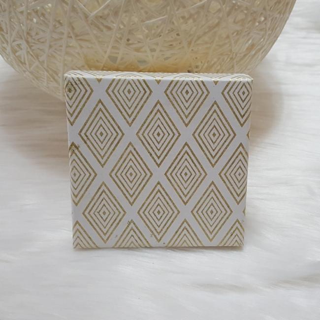 Mintás ajándékdoboz 10x9,5 cm