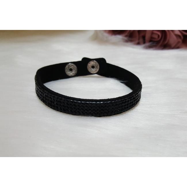 Strasszköves karkötő fekete