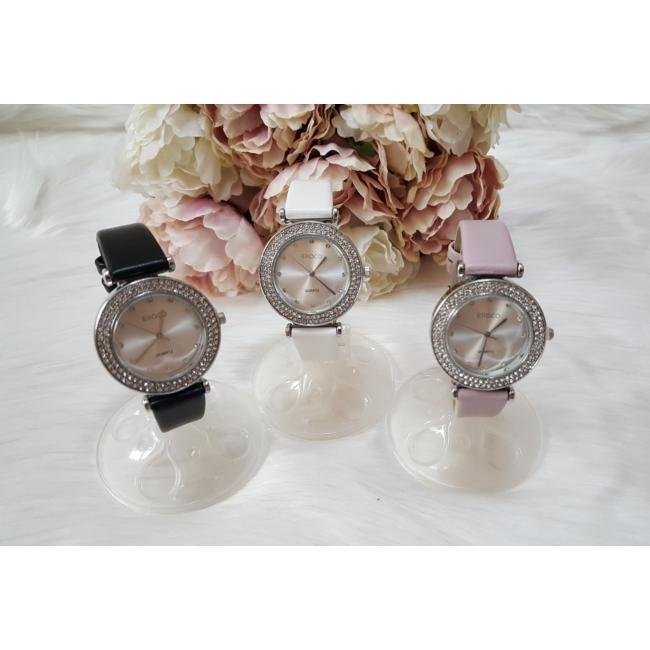 Strasszköves díszítésű elegáns női óra fehér