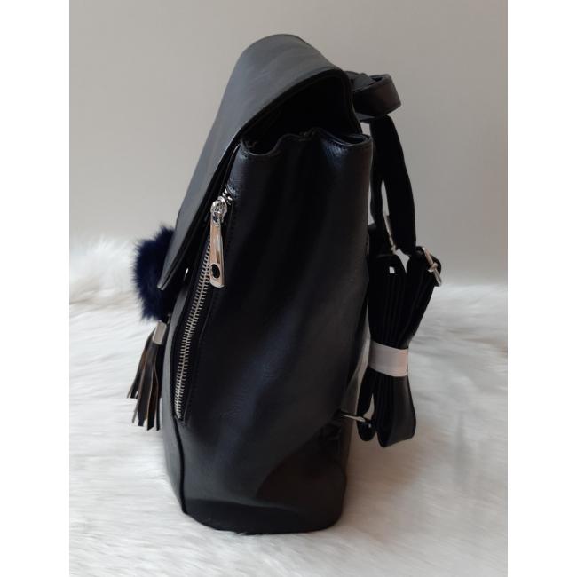 Merev falú elegáns női hátitáska pom pom dísszel sötétkék