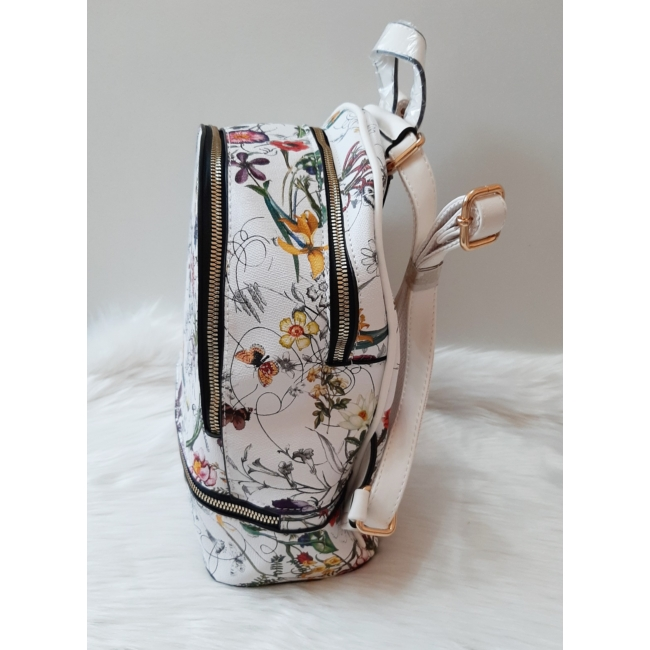 Virág mintás elegáns hátitáska fehér