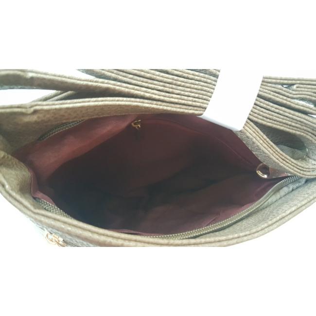 Varrott rombusz mintás oldaltáska barna